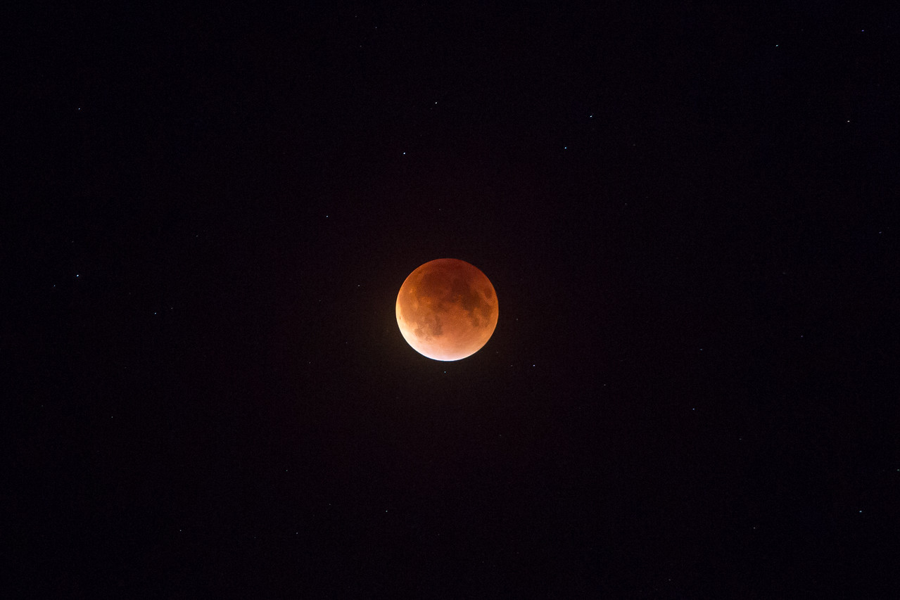 IMAGE: https://harm.smugmug.com/Astronomy/The-Moon/i-XpWpg4r/0/X2/880A3591-X2.jpg